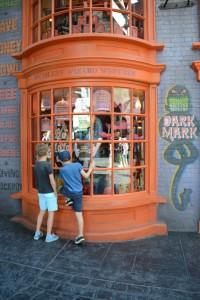 Wizardy window shopping